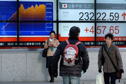 Tokyo stocks open flat on USA  shares' advance, profit taking
