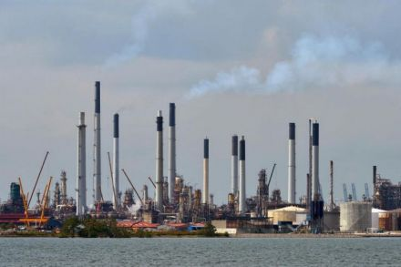 Singapore charges 11 with stealing $1.8m in fuel from Shell refinery