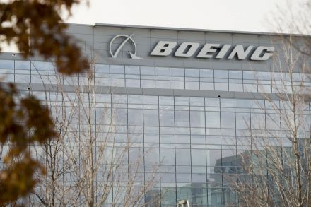 Boeing says aircraft deliveries set a record in 2017