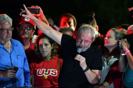 BRAZIL-CORRUPTION-LULA-PROTEST-223908.jpg