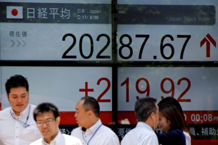 Tokyo stocks open lower as firm yen dents exporters