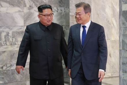 Top Korean aide lands in Singapore as summit looms
