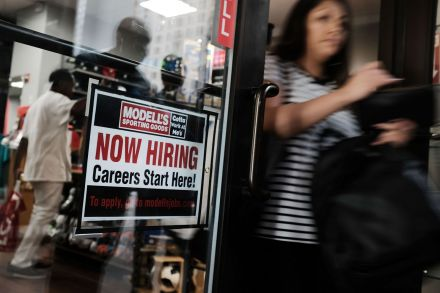 US-EMPLOYERS-ADDING-JOBS-IN-MAY-PUSHES-UNEMPLOYMENT-RATE-DOWN-TO-195206.jpg