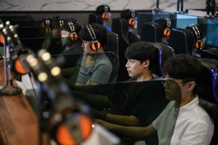 China to limit number of online games over myopia fears