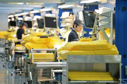 Singapore factory output continues downward trend