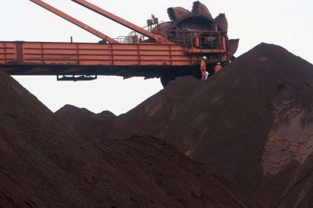 2018-09-26T091026Z_1217546832_RC12F08036A0_RTRMADP_3_ASIA-IRONORE.JPG