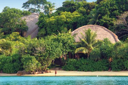 20-21_Travel_Folder-Links-Cempedak_Island_villas.jpg