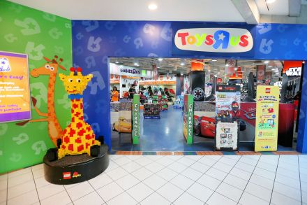Noteholders Fung Retailing Extend Lifeline To Toys R Us Asia