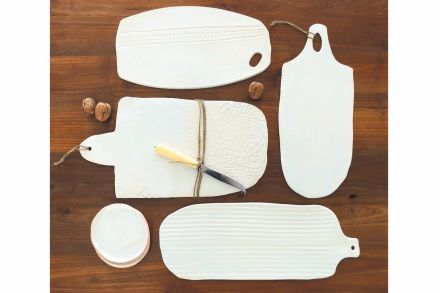 12-13-_Design_gift_Folder-Links-Cheese_boards_from_Byros.jpg
