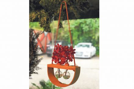 12-13-_Design_gift_Folder-Links-Hanging_vase_from_Affordable_Style_Files.jpg