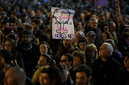 Thousands strike in Spain, mark International Women's Day