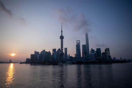 China growth beats forecasts as econ shows stability signs