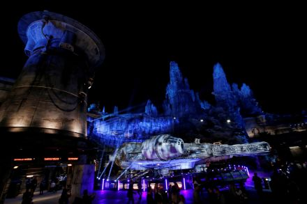 lwx_Star Wars theme park_010619_36.jpg