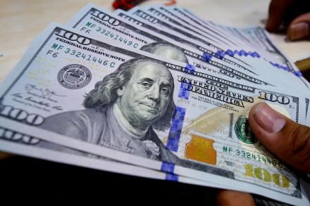 Dollar near two-month top after U.S. GDP boosts yield appeal