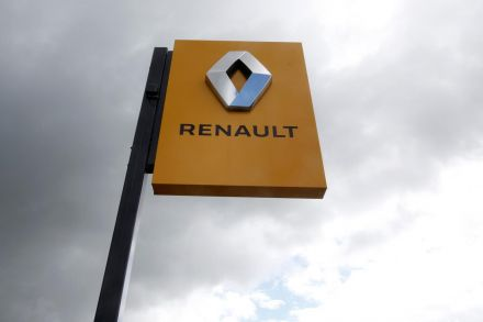 Renault shares slump as profit warning adds to its woes