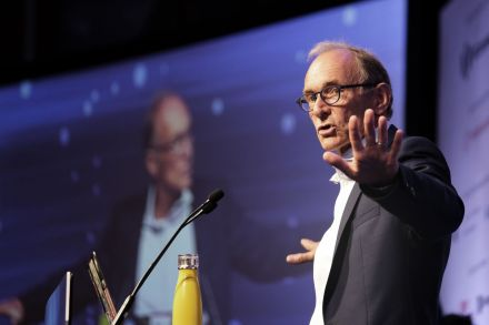 Tim Berners-Lee launches plan to fix the web