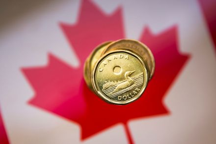 WH_Canadian dollar_021281.jpg