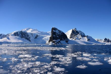 Antarctic temperature rises above 20C for first time on record