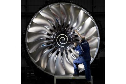 Rolls-Royce Trent 1000 engine (credit to RR) 2.jpg