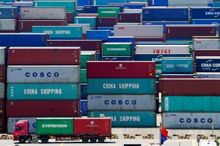 China Jan-Feb dollar-denominated exports tumble 17.2%, imports down 4%