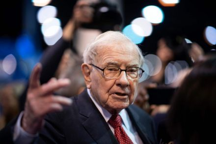 Berkshire Hathaway makes annual meeting purely virtual