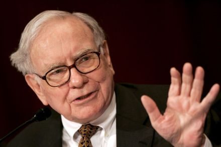 Warren Buffett abandons USA  airlines with a $6B billion stock sale