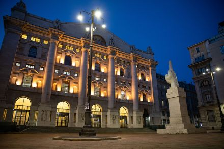 Euronext to buy Italian bourse from LSE for 4.325 bn - English