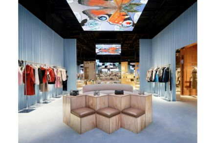 Burberry - digital-centric 'social retail store' in Shenzhen - BURBERRY.jpg