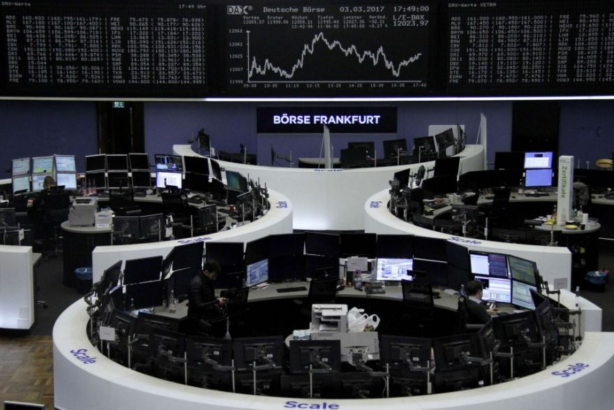 Europe: Shares enjoy best weekly gains of 2017, French banks up, Stocks