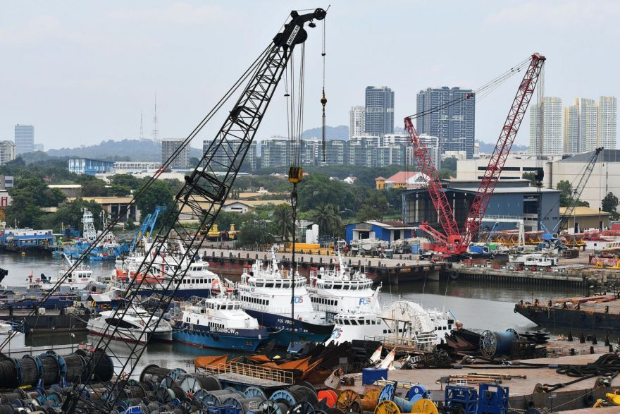 Singapore shipyards secured S$820m in new orders in 2016, down from S$4.9b in 2015, Government & Economy - THE BUSINESS TIMES
