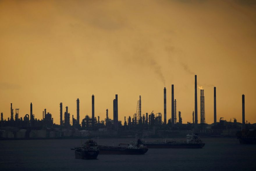 Scale of theft at Shell's Singapore refinery much greater, court docs show