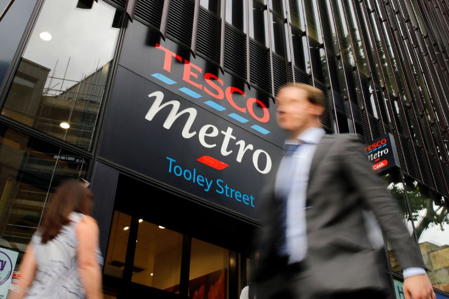 Lloyds buys Tesco home loans for about £$3 8b, Banking