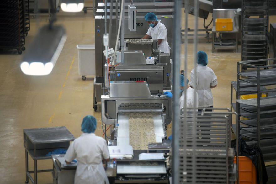 Payment delays worsen for manufacturing, services sectors, Top