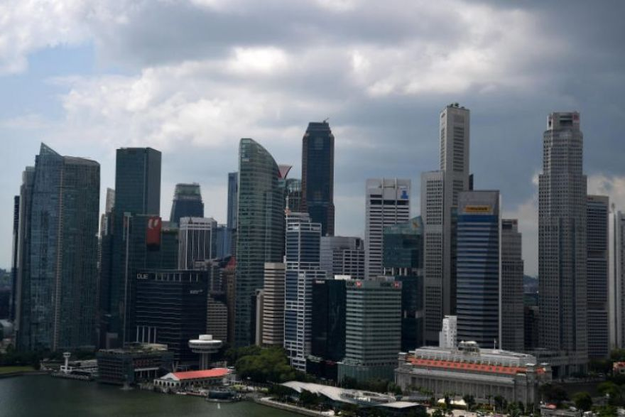 Singapore seen narrowly dodging recession in Q3, MAS to ease: poll, -