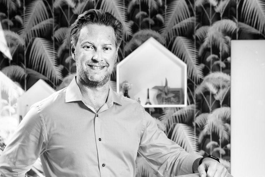 Sam Shank Head Of Hotels Airbnb
