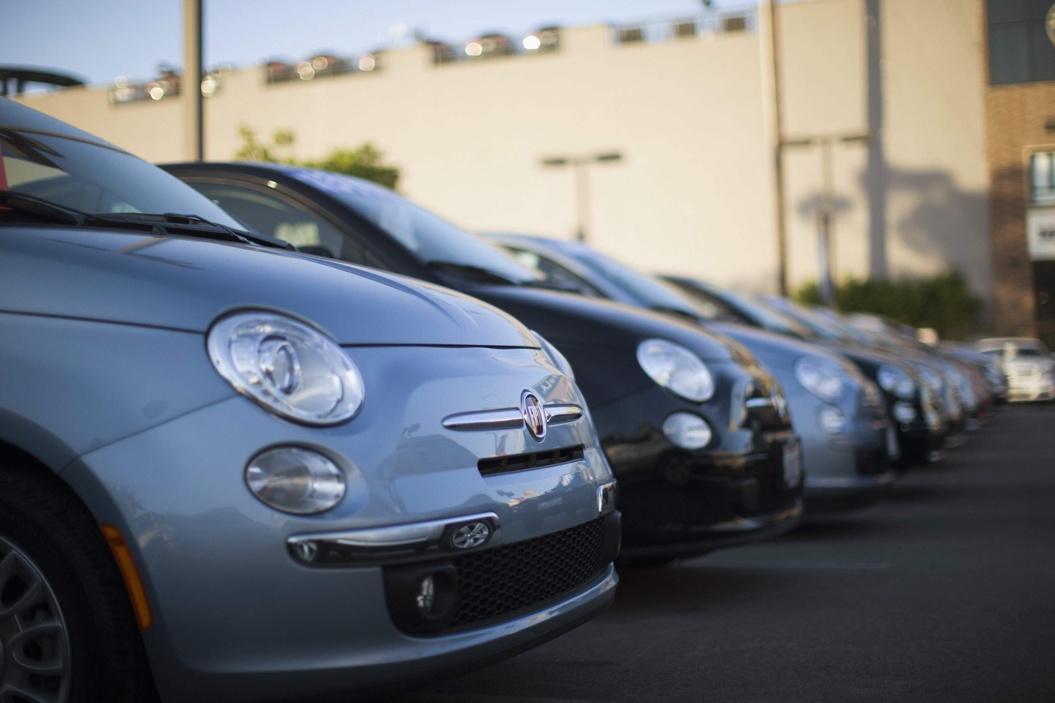 FCA recalls 3.3m autos worldwide for Takata airbags, Transport - THE ...