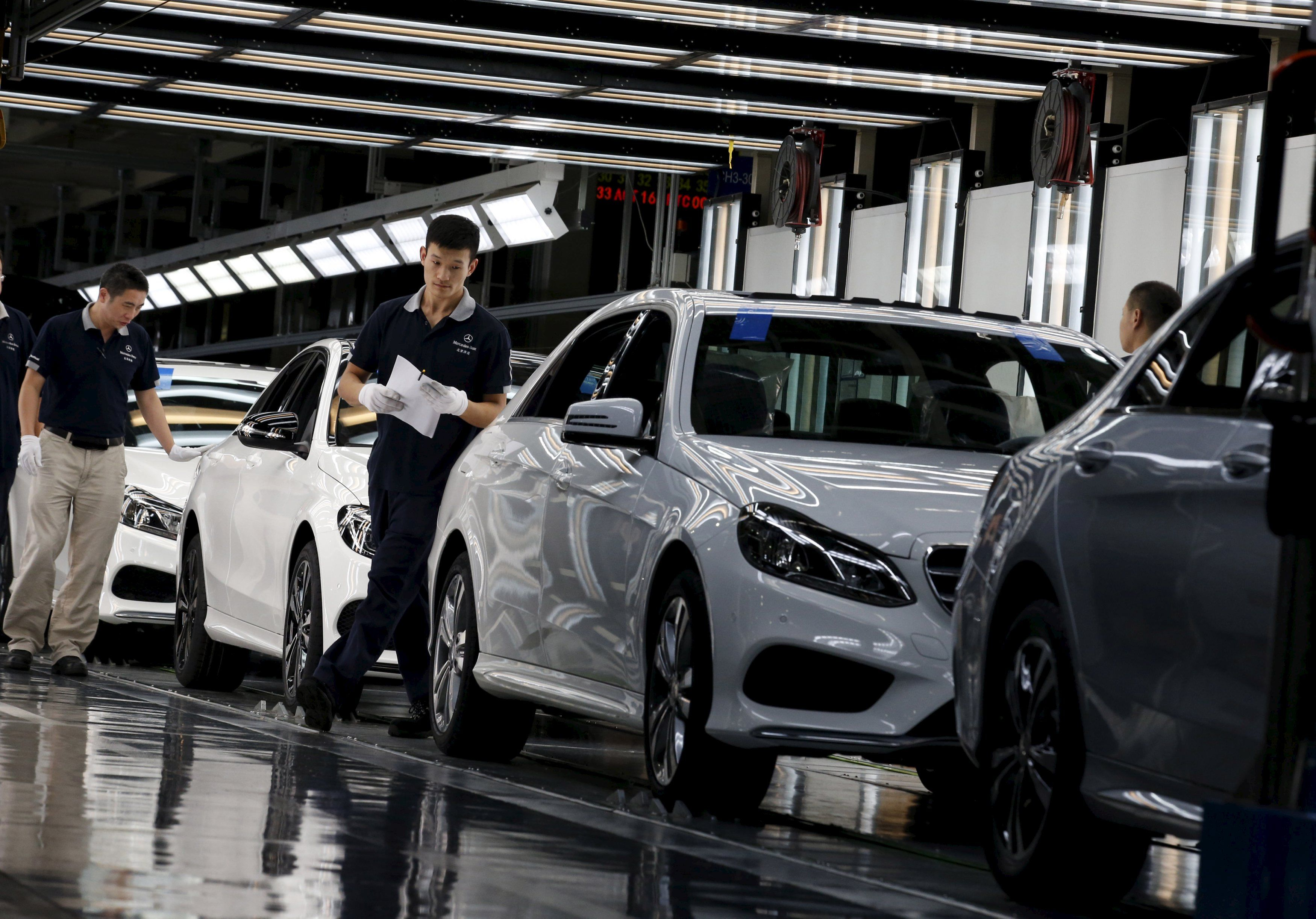 Mercedes Beats Audi To Take Second Place In Luxurycar Sales - Audi luxury car