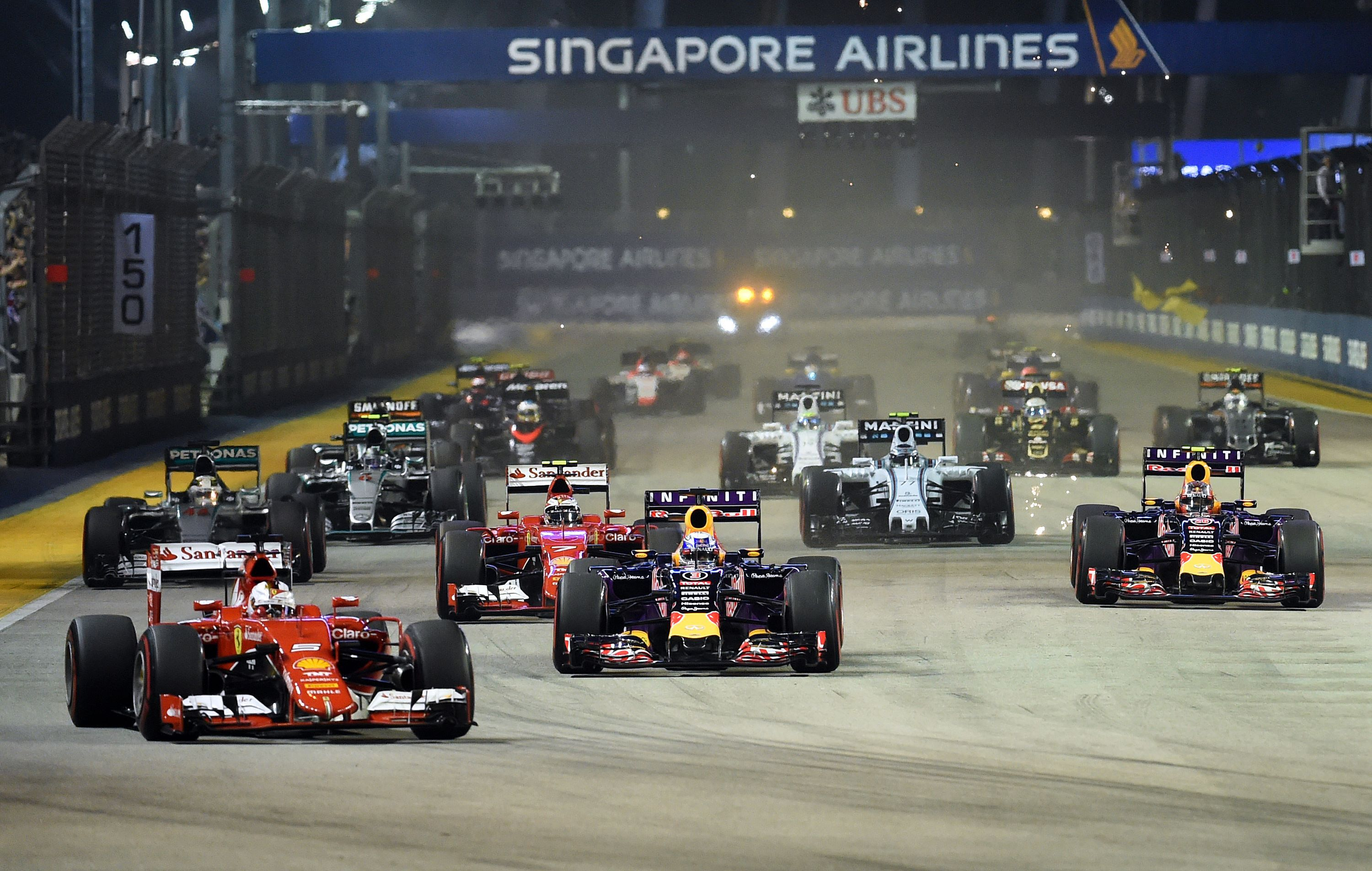 cryptocurrencies time and freedom 2015 singapore grand prix attracts slightly more spectators. Black Bedroom Furniture Sets. Home Design Ideas
