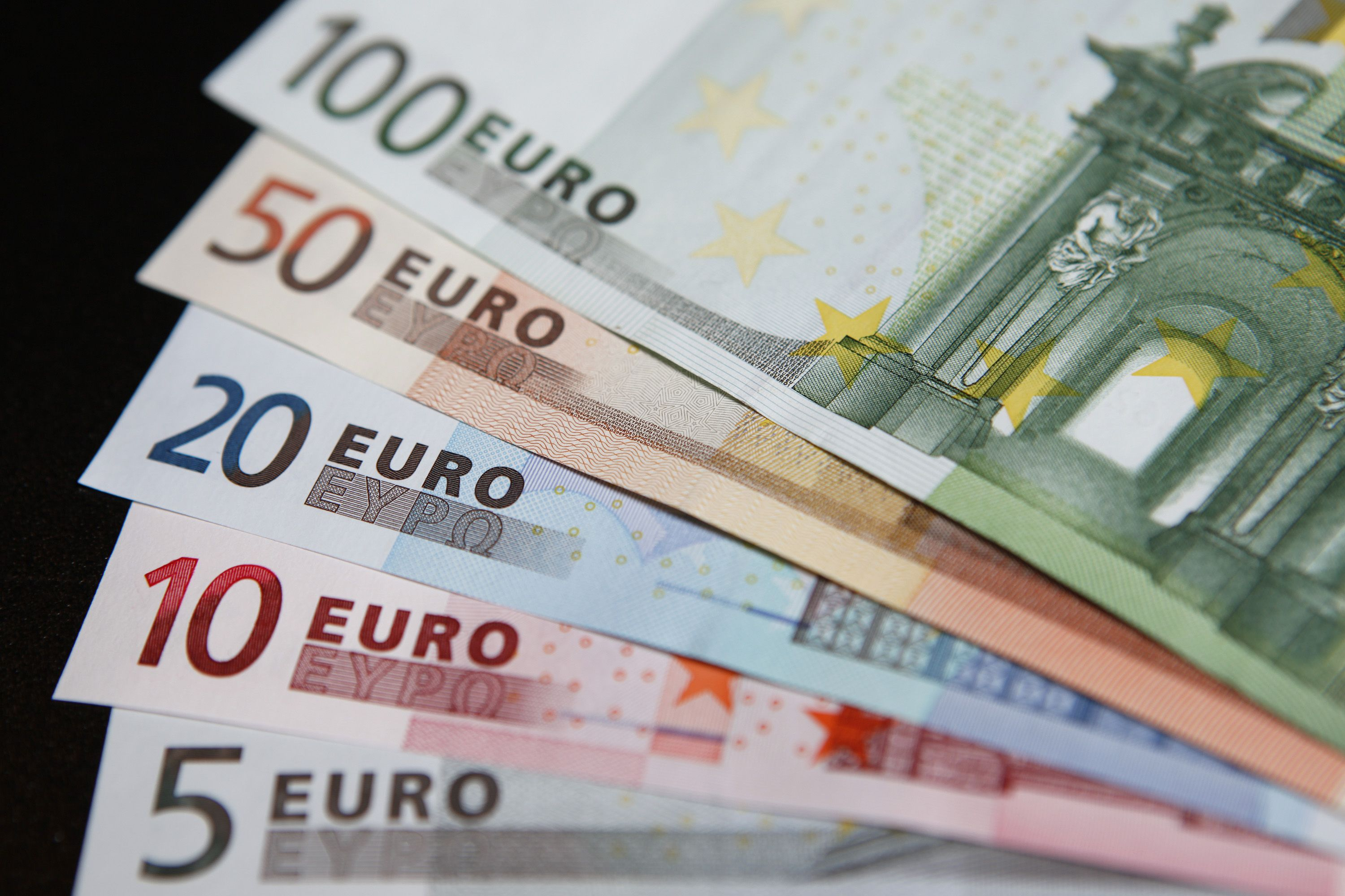 Euro rides out Spanish election result, Companies & Markets - THE ...