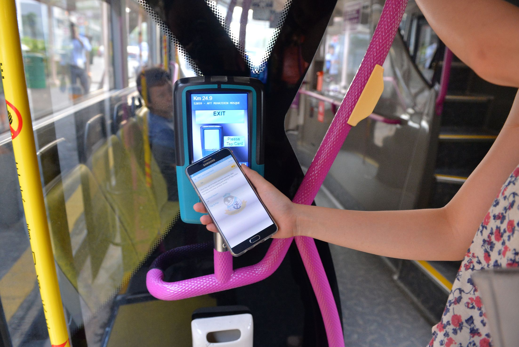 Option of paying bus, train fares via cellphone takes off