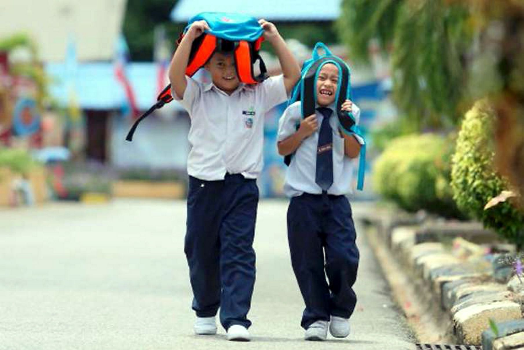 Heatwave shuts more than 250 Malaysian schools