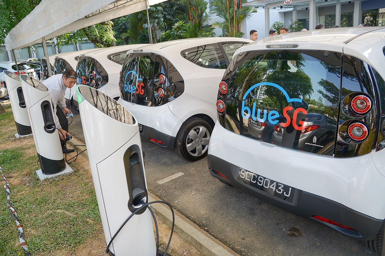 Nation-wide electric car-sharing scheme to start in mid-2017 ...