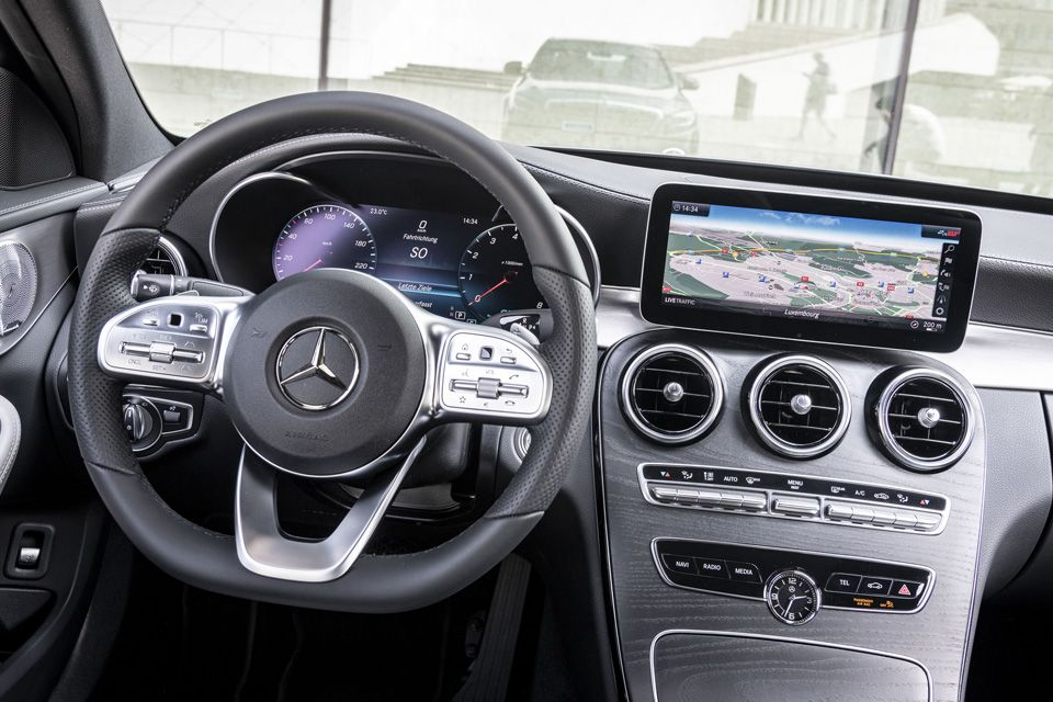New Mercedes C-Class review: A shocking change of heart, Hub