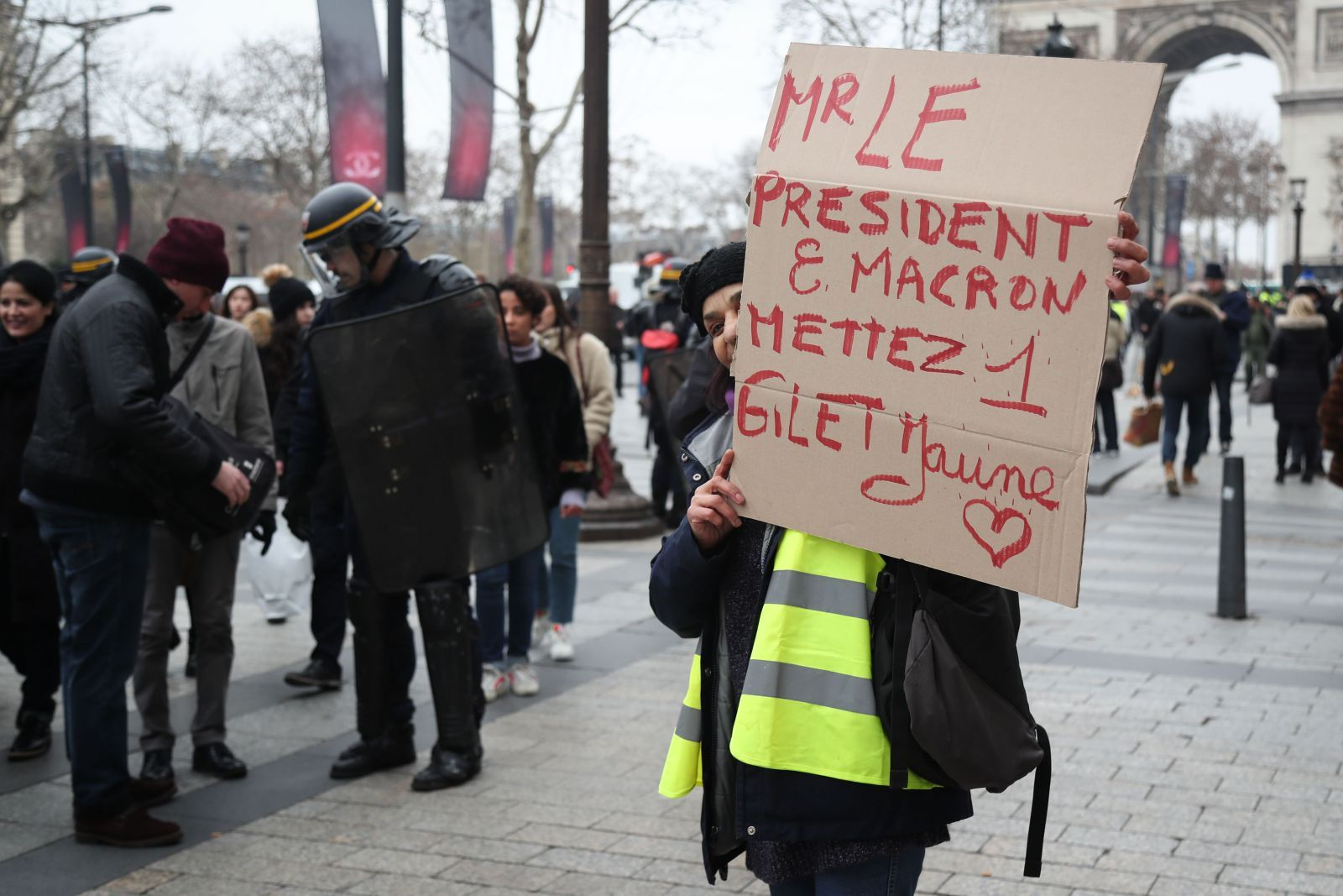 Yellow Vest Protesters Target Macron S Holiday Hideaway Government Economy The Business Times